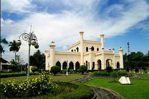 Tempat Wisata Istana Siak Sri Indrapura