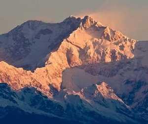 Puncak gunung Kangchenjunga