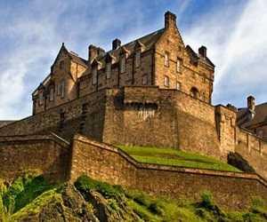 Istana Tertua Edinburg