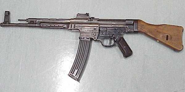 Senapan Sturmgewehr 44