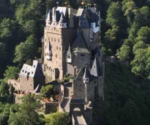 Istana Tertua Eltz