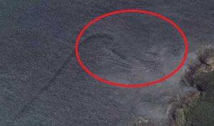 Muncul Naga Raksasa di Danau Toba