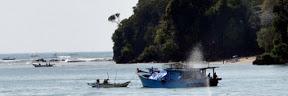 Pantai Jawa Barat berjulukan Pantai Pangandaran ini sudah tak perlu diragukan lagi keindahan Tempat Wisata Pantai Pangandaran Ciamis, Pesona Pantai Menawan dan Indah