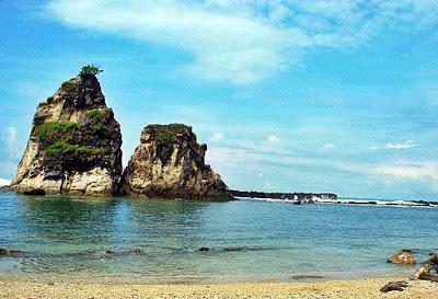Pemandangan Alami Wisata Pantai Sawarna di Banten Pemandangan Alami Wisata Pantai Sawarna di Banten