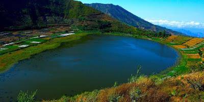 Dataran Tinggi Dieng yang meliputi wilayah Wonosobo dan Banjarnegara memang sanggup dikataka Wisata Telaga Merdada Dieng, Telaga Terluas Di Dieng yang Unik