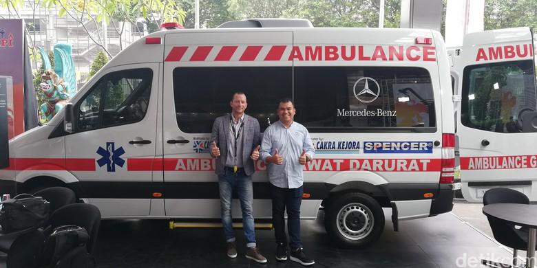 Mercedes-Benz Sprinter Dijadikan Ambulans. Foto: Rizki Pratama