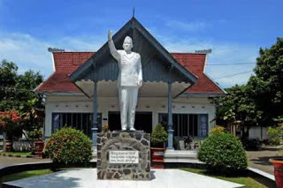 Blitar ialah salah satu kota yang terdapat di  Info Eksklusif 10 Tempat Wisata di Blitar