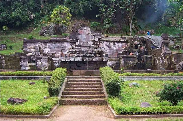 Tempat Wisata Mojokerto Yang Kental Dengan Nuansa Sejarah Tempat Wisata Mojokerto Yang Kental Dengan Nuansa Sejarah