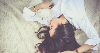 Perlu kata romantis untuk menghibur pacar yang lagi sakit Cara Menghibur Pacar yang Lagi Sakit