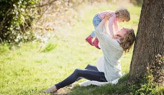 Mempunyai anak yakni dambaan dari semua pasangan suami istri Ciri-ciri Hamil Muda/Tanda Kehamilan yang Sangat Praktis Dikenali