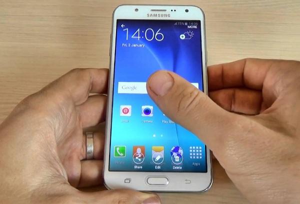 merupakan salah produk persuahaan besar Samsung yang sangat laku dipasar dunia Cara Screenshot Samsung Galaxy J7 Tanpa Aplikasi